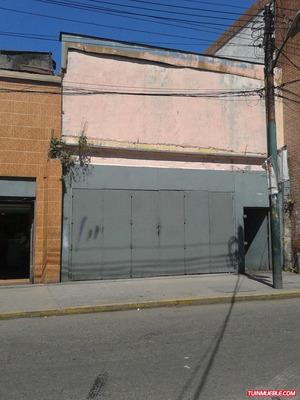 Vendo Locales En Catia, Al Lado De Metro, Oportunidad
