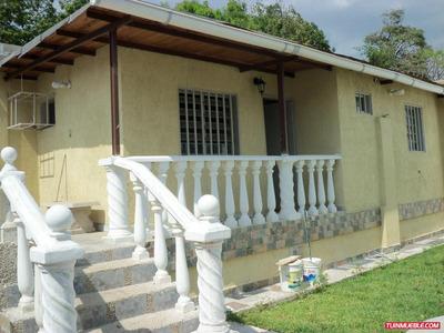Vendo Espaciosa Casa En El Centro De La Victoria