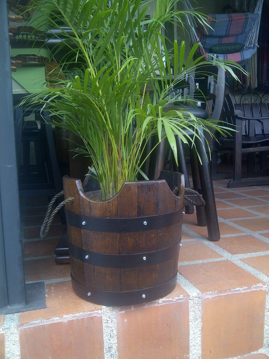 Materos o maceteros en madera de barril o barricas de - Precio madera de roble ...